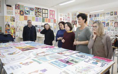 El jurado se reúne para fallar los premios del concurso de diseño de carteles de la Semana de la Mujer