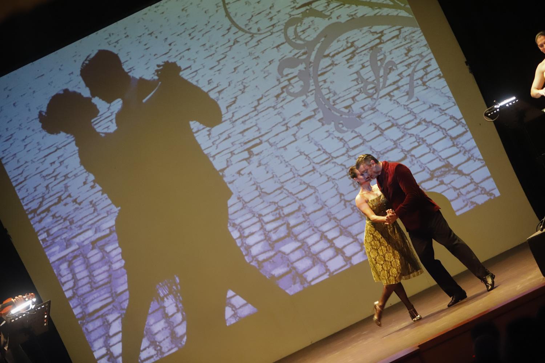 Las 'Reliquias Porteñas' de Arcos de Buenos Aires llenó de intensidad el auditorio de la Casa de Cultura