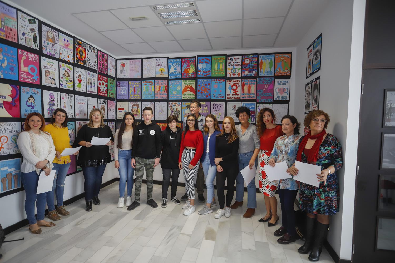 Miriam El Saadaqui gana el concurso de carteles organizado por Igualdad para la Semana de la Mujer