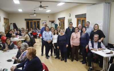 Los voluntarios del Hogar del Pensionista de l'Alfàs del Pi donan 500 euros a APSA