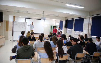 Cerca de 600 alumnos del IES L'Arabí participan en el programa de prevención de consumo de drogas
