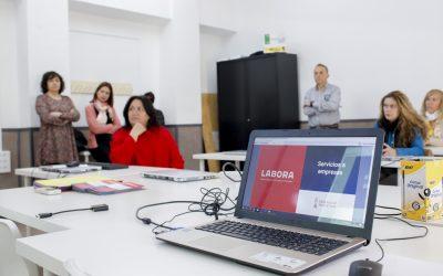 El CFO acoge un encuentro entre empresarios de l'Alfàs y responsables de la oficina LABORA