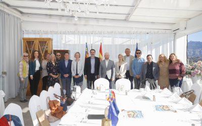 Vicente Arques comparte una entrevista informal con el Rotary Club de l'Alfàs del Pi