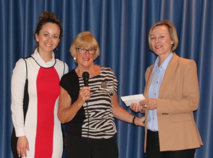 Companians dona 300 euros para la rehabilitación de baños en el Centro Doble Amor