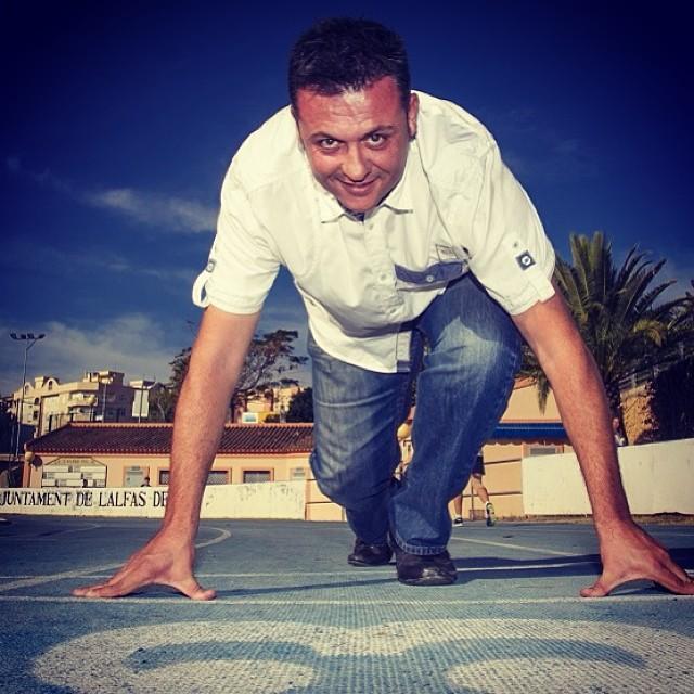El alcalde de l'Alfàs del Pi, el socialista Vicente Arques, vuelve a confiar en Oscar Pérez para  la Concejalía de Deportes .