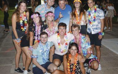 300 jóvenes participaron de la Fiesta Hawaiana  que organizaron las mayoralas de la Purísima