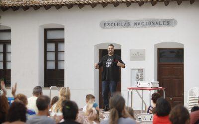 Miguel Miguel triunfó con sus espectáculos de magia y humor