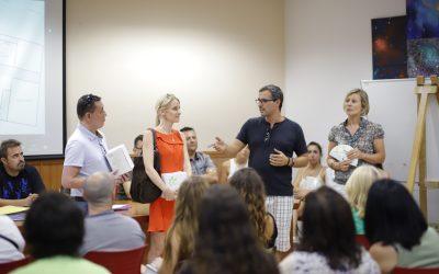 El Rotary Club de l'Alfàs dona 300 envases de protector solar para los asistentes a las Fiestas de l'Albir