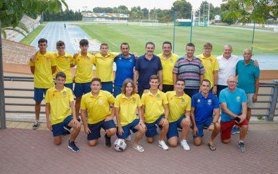 El equipo cadete de fútbol que participó en la Norway Cup ha recibido la visita del Alcalde Vicente Arques