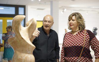 Exposición de esculturas de Vicente Pérez Gonzálvez en la Casa de Cultura de l'Alfàs