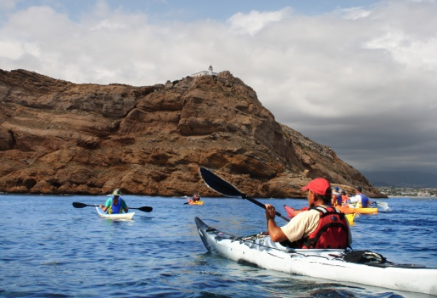 Finaliza el octavo programa de salidas en kayak por la Serra Gelada que organiza la concejalía de juventud