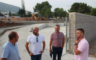 El Concejal de Medio Ambiente Luis Morant  junto  Dino Trubianelli y los responsables de SAV  han visitado el Punto Limpio que se abrirá  en la calle Tauró del Albir en breve.