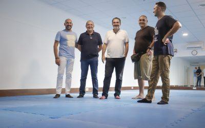 El Alcalde Vicente Arques ha visitado el nuevo emplazamiento de las clases de Aikido en el polideportivo de l'Alfàs del Sol