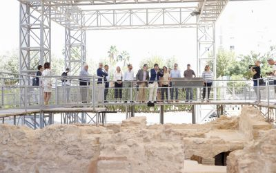 Mazón se compromete en l'Alfàs a dar proyección en el Marq al Museo Villa Romana de l'Albir