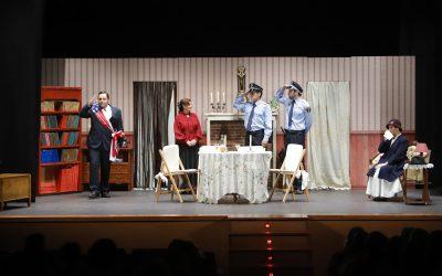 La Casa de Cultura acogió la representación de la comedia 'Arsénico por compasión' de Akra Leuka Teatre