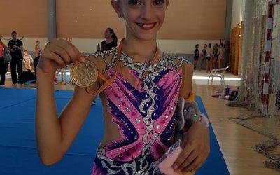 Elena Nikolova de Club de Gimnasia Rítmica Primavera de l'Alfàs del Pi se proclama Campeona Provincial