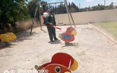L'Alfàs desinfecta los parques y áreas infantiles de  juego para su reapertura