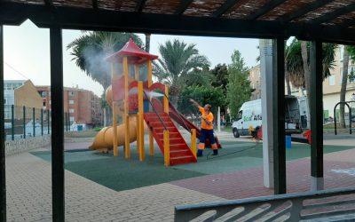 L'Alfàs acomete tareas de limpieza y desinfección en los parques infantiles