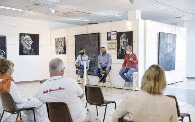 Carlos Naos y Hans Petter Fjugstad participan en una charla en la Casa de Cultura de l'Alfàs