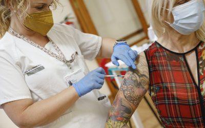 El Hogar del Pensionista de l'Alfàs abre como punto de vacunación contra la COVID-19