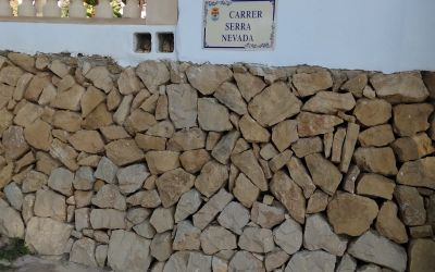 El Ayuntamiento de l'Alfàs renueva las placas identificativas de calles y caminos rurales