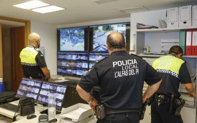 La Policía de l'Alfàs detiene a un motorista por un delito contra la salud pública