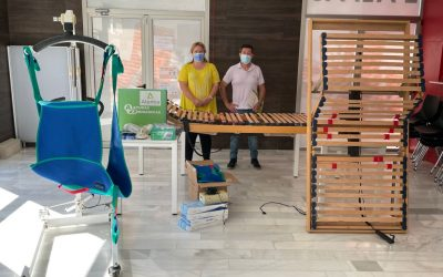 El Grupo Atentia dona al Ayuntamiento de l'Alfàs del Pi diverso material para la atención de dependientes