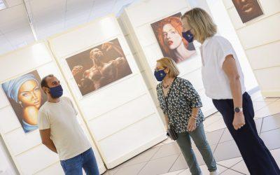 El artista plástico uruguayo David Castelucci expone 'Un poco de mí' en la Casa de Cultura de l'Alfàs
