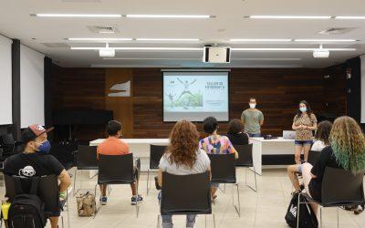 Una decena de personas participan en el taller gratuito de introducción a la fotografía organizado por Juventud