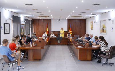 Residentes retoma las reuniones con las asociaciones de ciudadanos extranjeros tras los meses de verano