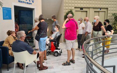 Sanidad administra las vacunas de refuerzo en las residencias Fórum y Anneke de l'Alfàs