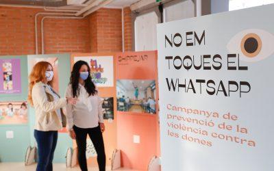La exposición 'No em toques el whatsapp' del IVAJ se encuentra esta semana en el IES l'Arabí de l'Alfàs